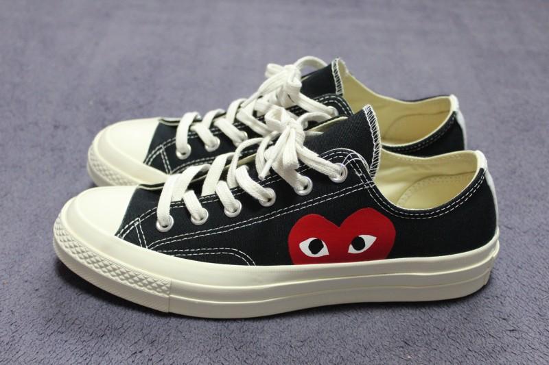 56fc2389a86 구매하는데 은근 고민을 많이 하게 만든 신발이에요 첫번째로 컨버스 치고 비싼 가격이 매년 고민하게 만들었던 요소이고 로우로 살 것이냐  하이로 살 것인가.