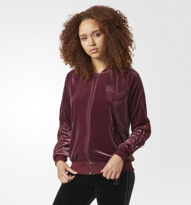 1695d574a40 아디다스 여성 ADIDAS Velvet Vibes SST Track Jacket MAROON는 벨벳재질 저지제품으로 멋스러운 색감과  벨벳재질의 좋은 착용감으로 추천해드리는 아이템입니다:)